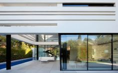 All the openings have been made by ApexFine minimal profile sliding-system, perfectly designed to open the home to the world through huge glass panels which make it possible to look out into the surrounding environment, or look into the house.