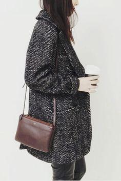 tweed coat and celine Estilo Fashion, Look Fashion, Womens Fashion, Fashion Mode, Fall Fashion, Outfits Mujer, Mein Style, Winter Stil, Mode Inspiration