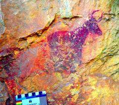 El Ayuntamiento de Vilafranca (Castellón) ha localizado un yacimiento con arte rupestre con al menos 12 figuras humanas y animales con una a...