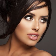 Beauty shot By the amazing @snapsstudio  Hair and makeup by @jenniferconejobeautyabigaail ratchford