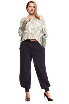 Granatowe dresowe spodnie plus size Harem Pants, Capri Pants, Fashion, Moda, Harem Trousers, Capri Trousers, Fashion Styles, Harlem Pants, Fashion Illustrations