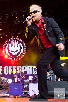 Dexter Holland - The Offspring - Rock Werchter '95, Haacht (2/7/1995) - Luna Theater, Bxl (23/4/1995) #punkrock #singer http://www.pinterest.com/TheHitman14/musician-singerfrontmen-%2B/