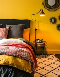 deco berber room wall yellow curry Source by freshidees Bedroom Wall Colors, Bedroom Color Schemes, Bedroom Decor, Yellow Master Bedroom, Mustard Bedroom, Mustard Walls, Paint Colors For Home, Elle Decor, House Design