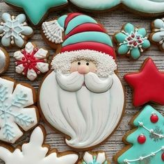 The Best Decorated Christmas Cookies - Celebrate and Inspire Santa Cookies, Christmas Sugar Cookies, Iced Cookies, Christmas Sweets, Cute Cookies, Noel Christmas, Holiday Cookies, Cupcake Cookies, Christmas Baking