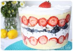 of July Recipes - Easy Patriotic Trifle Patriotic Sugar Cookies, Patriotic Desserts, 4th Of July Desserts, Fourth Of July Food, Summer Desserts, Summer Recipes, Holiday Recipes, July 4th, Patriotic Party