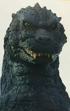 Godzilla- close-up of face - and in color Sci Fi Films, Horror Films, Horror Art, Classic Monster Movies, Classic Monsters, Cool Monsters, Famous Monsters, Godzilla Figures, Godzilla Godzilla