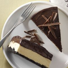 Chocolate Peanut Butter Mousse Cheesecake #chocolates #chocolaterecipes #sweet #delicious #yummy #food #choco #chocolate
