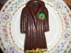 Dark chocolate Faux Fur. Edible Angel flakes in gold. Sugar wreath. Heirloom Harrod's bone china plate from England.