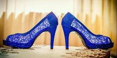 Zapatos para novia color azul eléctrico