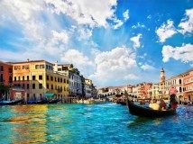 Venice Grand canal with gondolas and Rialto Bridge, Italy in summer bright day. Free art print of Venice Grand canal with gondolas and Rialto Bridge, Italy. Tatoo Travel, Hotel Gast, Gondola, Rialto Bridge, Venice Canals, Rialto Venice, Venice City, Italy Tours, Grand Canal