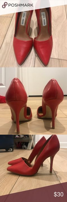 Steve Madden Heels Size 7 but run small 6/6.5 Love the style and in perfect shape just too small for me :( Steve Madden Shoes Heels