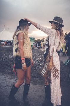 Boho festival. For more follow www.pinterest.com... and stay positively #pinspired #pinspire @Nina Yay