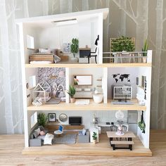 A small room of this bespoke doll& house that .- Ein kleines Zimmer dieses maßgefertigten Puppenhauses, das ich vor einiger Zeit… A small room in this custom-made doll& house that I turned into a … - Best Doll House, Mini Doll House, Barbie Doll House, Doll House Modern, Wooden Barbie House, Doll House Plans, Diy Dollhouse, Dollhouse Interiors, Modern Dollhouse Furniture