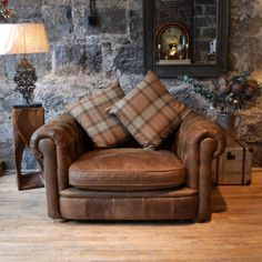 Franklin loveseat by Anniemo's. Darker leather better on oak floor. Possibly a tan / saddle coloured hide is too orange against the floor. Wingback Chair, Armchair, Cottage In The Woods, Wood Cottage, White Wood, Love Seat, House Plans, Accent Chairs, Lounge