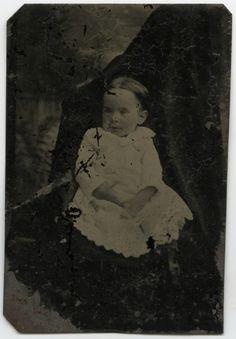 Hidden Mothers: 12 Bizarrely Fascinating 19th Century Baby Portraits