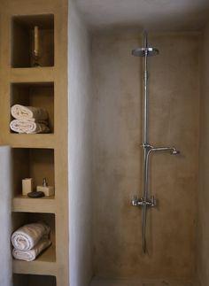 open shower, built in shelf