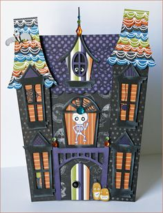 Awesome haunted house with template and tutorial - for scrapbook page or Halloween decor! Theme Halloween, Halloween Paper Crafts, Halloween Village, Halloween Boo, Halloween Cards, Holidays Halloween, Holiday Crafts, Happy Halloween, Halloween Decorations