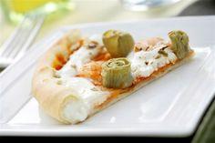 Pizza Con El Borde Relleno y Con Alcachofas y Gambas. Recetas, Gastronomía, Food, Gastronomy, Recipes...