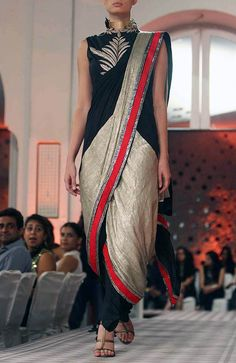 what a gorgeous sari...