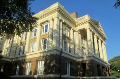 The Anderson County Courthouse, Palestine, TX. The courthouse was built in 1914, and incorporates the Beaux-Arts architectural style. (Richard S. Buse photo)