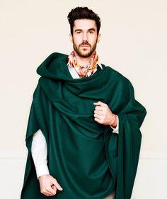 Ál & Other Stories Ál & Otras Historias: La capa o el poncho para caballeros. Prenda de moda ¿Crees que a los hombres les queda bien?