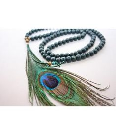 Handmade bohemian lifestyle peacock feather necklace
