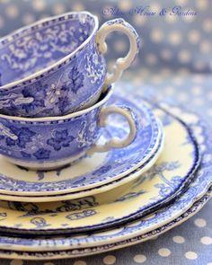 Aiken House & Gardens: Shades of Blue Blue And White China, Blue China, Black White, Vintage Dishes, Vintage China, Yellow Cottage, White Dishes, My Cup Of Tea, White Decor