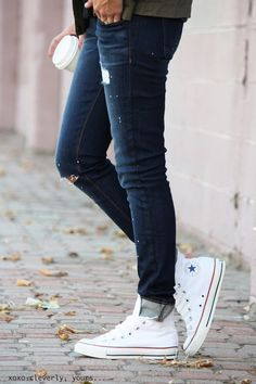 A pair of light ripped blue skinny jeans and practically any colour of Converse will do just nicely. Such a nice profile, don't you think? Via Robyn VilateJeans: Siwy Denim, Shoes: Converse