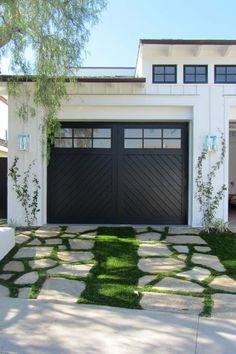 Best Exterior Paint Colors For House Black Garage Doors Ideas Single Garage Door, Black Garage Doors, Modern Garage Doors, Garage Door Decor, Garage Door Styles, Glass Garage Door, Garage Door Design, Garage Exterior, Garage Entry Door