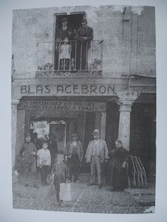 Posada Acebrón 1940-50 Madrid, Painting, Old Photography, Bubbles, Antique Photos, Monuments, Black And White, Cities, Viajes