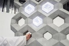 NOWlab, the innovation department of large-format printer manufacturer BigRep, has created a 'smart concrete wall' with an adaptive surface enabled by embedded capacitive sensors. 3d Printing Materials, 3d Printing News, 3d Printing Industry, 3d Printing Service, Building Materials, Printed Concrete, Concrete Wall, Gray Interior, Interior Design Kitchen