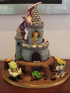 I love Shrek! The movie and now the cake! Wow, I didn't know cakes could go this far. Unique Cakes, Creative Cakes, Cupcakes, Cupcake Cakes, Shrek Cake, Cake Accessories, Character Cakes, Cake Decorating Techniques, Halloween Cakes