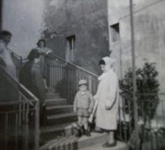 A Sas téri lépcsőnél az 1960-as éve elején