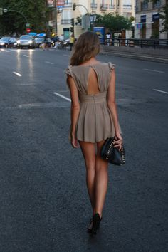 Super cute Zara dress with an open back