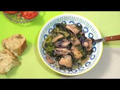 Σουπιές με σπανάκι και το μελάνι τους! - YouTube Pork, Beef, Chicken, Youtube, Kale Stir Fry, Meat, Pork Chops, Youtubers, Youtube Movies