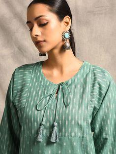Green Handloom Ikat Cotton Kurta with Pockets Simple Kurti Designs, Salwar Designs, Kurta Designs Women, Dress Neck Designs, Blouse Designs, Cotton Kurties, Ikkat Dresses, Kurta Style, Kurti Patterns