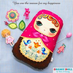 Matryoshka-Happiness DIY Fabric Doll Cushion by AtelierDressyDoll Fabric Doll Pattern, Fabric Dolls, Dolls And Daydreams, Diy Cushion, Diy Couture, Matryoshka Doll, Soft Dolls, Fabric Panels, Sewing Crafts