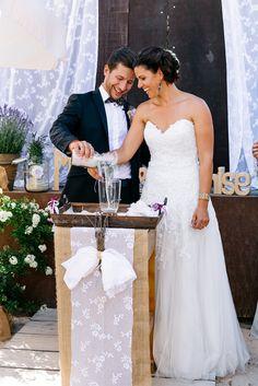 Sandzeremonie bei freier Trauung - Wundervolle Boho Hochzeit mit liebevoller DIY Deko von Julia Hofmann | Hochzeitsblog - The Little Wedding Corner