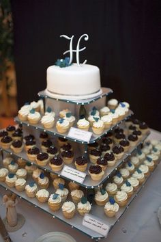 Elegant and modern! Mini cupcakes on a Mini Square Cupcaketree cupcake stand. Just perfect!