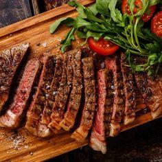 Savoarea unei fripturi gatite perfect este placerea oricui prefera un meniu din care carnea nu poate lipsi. Gustul si textura sunt, insa, rezultatul felului in care pregatesti puiul, mielul sau pestele. Cand vine vorba despre gratar, cei mai multi dintre noi ne gandim la o masa in aer liber, in mod special pentru ca il asociem cu mult fum.