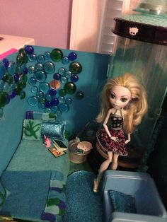 Monster high Lagoona Blue's room