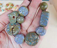 Handmade set beads ceramic hand-carved blue  green and por Majoyoal