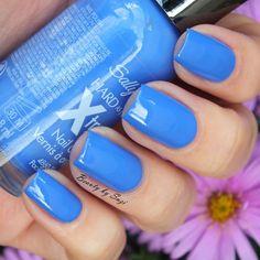 Sally Hansen Hard as Nails Xtreme Wear Nail Colour, 420 Pacific Blue