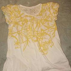 Little girls shirt  (S) 6/6X Very cute little girls shirt yellow and white flowers and butterflies great shape little girls A 6/6x Tops Tees - Short Sleeve