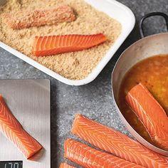 Salmon fish sticks - idea for grand daughter Jamie Oliver Jumbo fish fingers Fish Recipes, Baby Food Recipes, Seafood Recipes, Cooking Recipes, Healthy Recipes, Uk Recipes, Tasty Meals, Batch Cooking, Gourmet