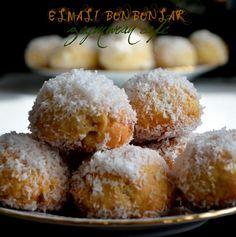 Güzel bir kurabiye tarifiile sizlerleyim. Biz çok sevdik, umarım sizde seversiniz özelliği elmalı topların şerbetle ıslatılıp, hindistan cevizine bulanması. ortaya mı ortaya nefis bir ...