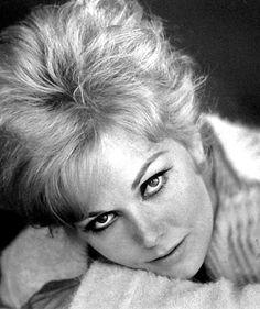 Kim Novak, 1964.  So beautiful!