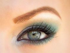 Teal and Grey Smokey Eye Makeup