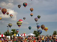 Hot Air Balloon festival known as Freedom Weekend Aloft,  held every year in Heritage Park - Simpsonville, South Carolina ...this looks like a lot of fun!