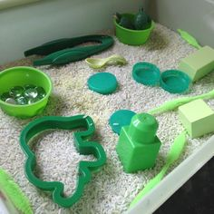 I haven't put together a sensory bin for the Little Tots for a while as we've been making the most of the warmer weather, however, with one Little Tot starting to name some colours I thought a green themed sensory bin would be a great wa...